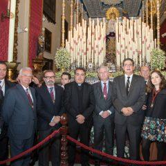 Bastón de mando a la Virgen de la Concepción