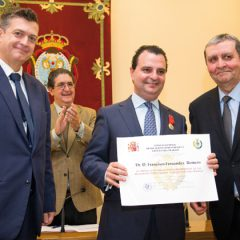 Medalla al Mérito Profesional a Francisco Fernández