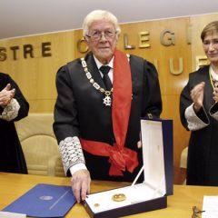Gran Cruz al decano de los Abogados de Huelva
