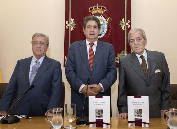 """""""Ejerciendo el Derecho"""" del abogado Enrique Álvarez"""