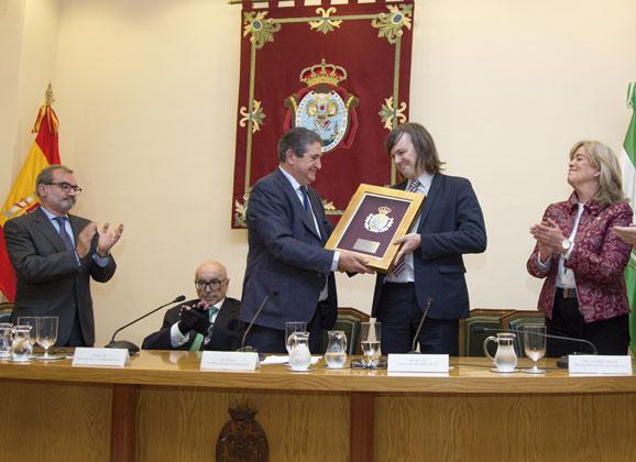 Medalla de Honor a la Facultad de Derecho