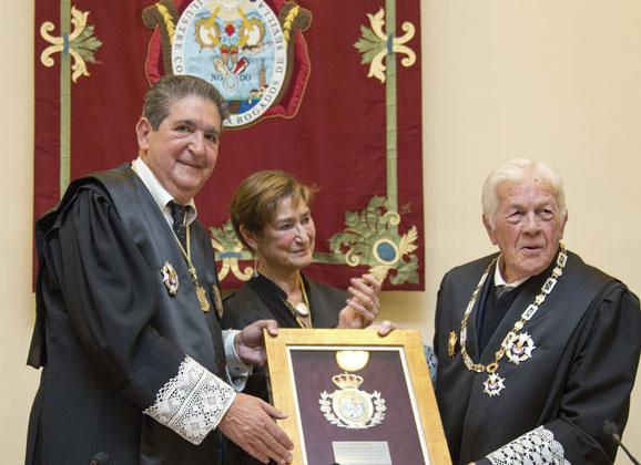 Medalla de Honor a Juan José Domínguez