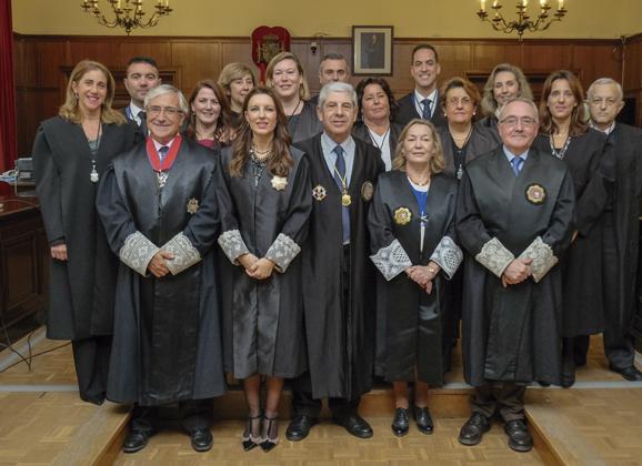 Reelegida la decana de los Procuradores