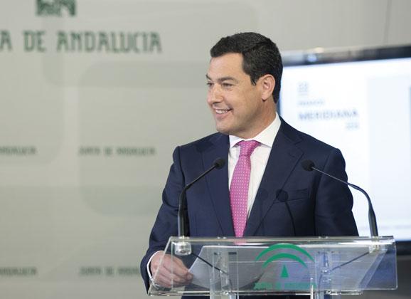 """El presidente de la Junta felicita a Cisneros y agradece a Gallardo su """"entrega"""" a la Abogacía"""